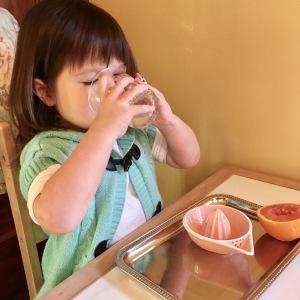 orange-juicing-drinking